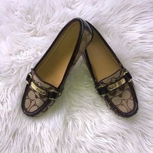 COACH WOMEN'S LOAFER SIZE 8